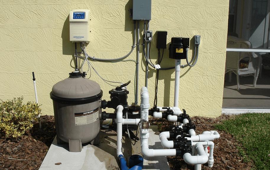 Eine Pool Filteranlage garantiert die perfekte Wasserqualität